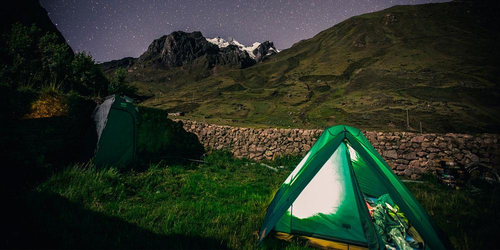 Camp in Lares